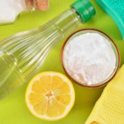 Productos de limpieza para hacer en casa.